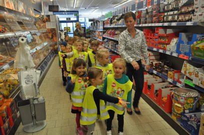 Wyjście do sklepu z warzywami 5 latki SMERFY